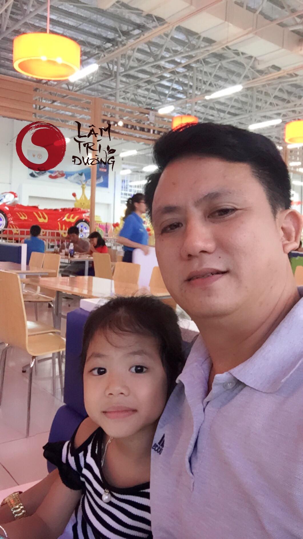 Hai bố con Bùi Văn Trúc
