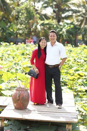 Vợ chồng chi vợ của Bùi Văn Trúc