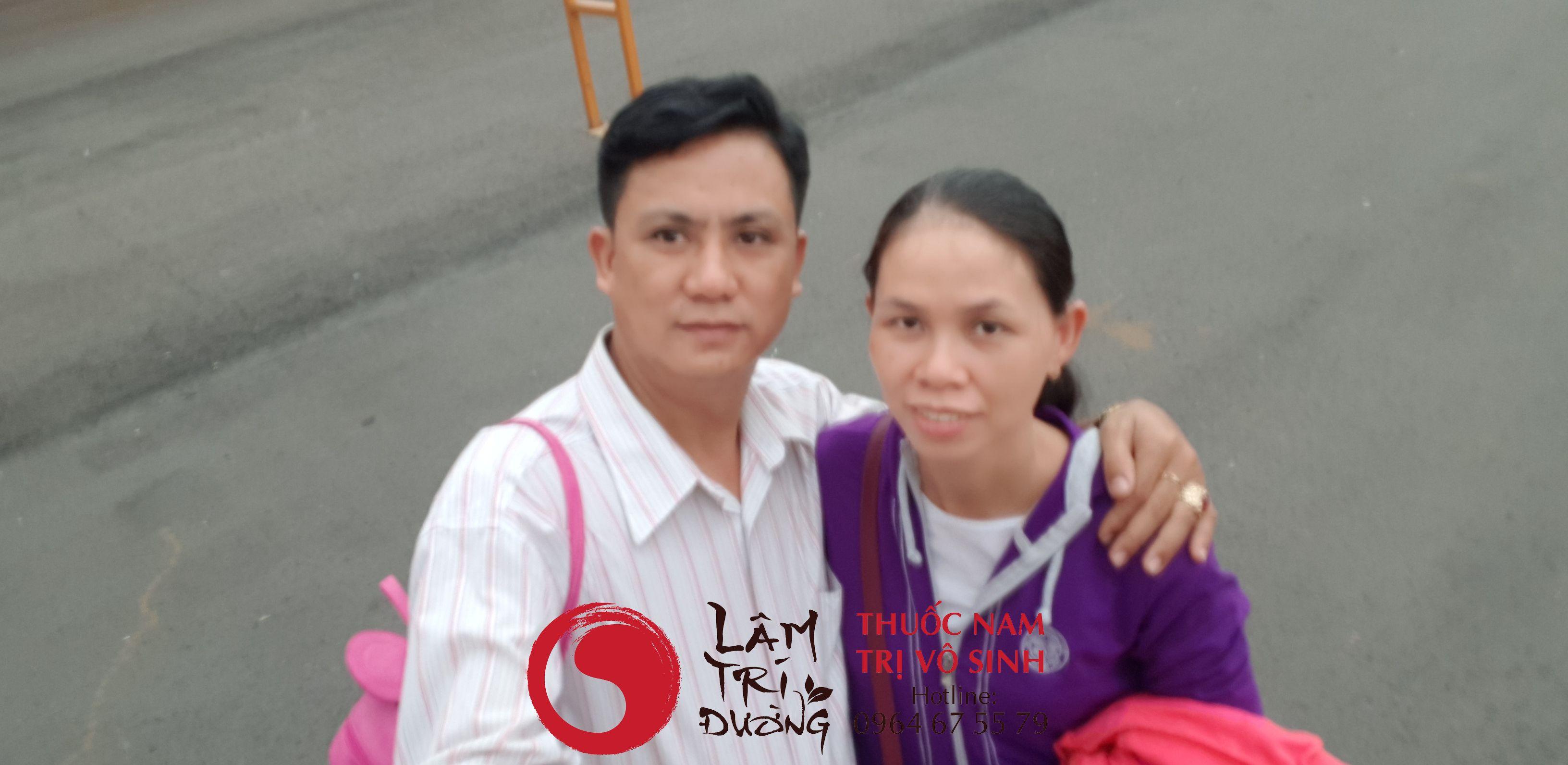 Tôi: Bùi Văn Trúc cùng vợ Đặng Thị Việt Anh